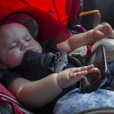 9 of 10 parents put their babies to sleep in unsafe environments