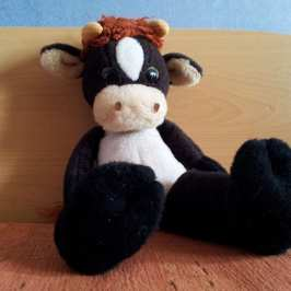 Stuffed Classics - Moo the stuffed cow