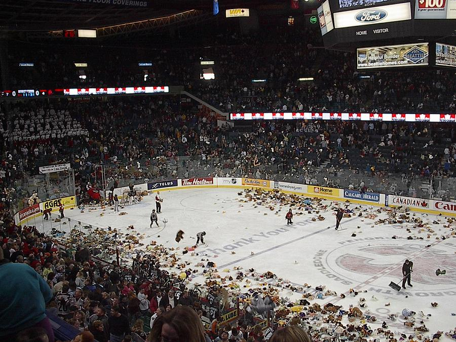 Teddy Bear Toss blunder in the UK doesn't stop the party