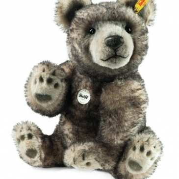 How to identify Steiff teddy bears