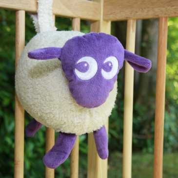 Ewan the Dream Sheep helps your baby to fall asleep