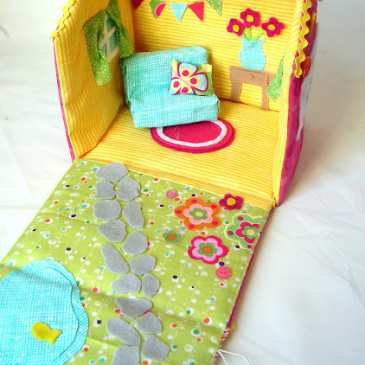 How to make a fabric dollhouse