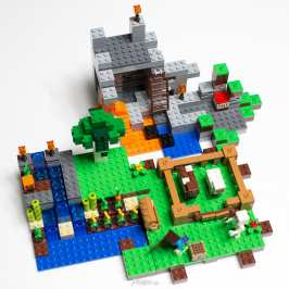 LEGO preps new Minecraft sets, Minifigures Series and a Ferrari F40 (video)