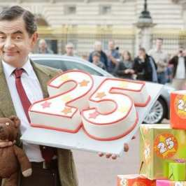 Mr. Bean celebrates 25 years for the show with Teddy Bear