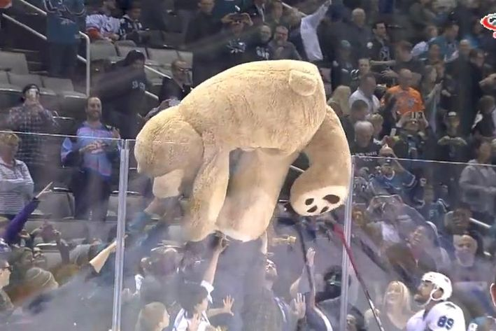 Sarnia Sting announces its annual teddy bear toss for December 4th