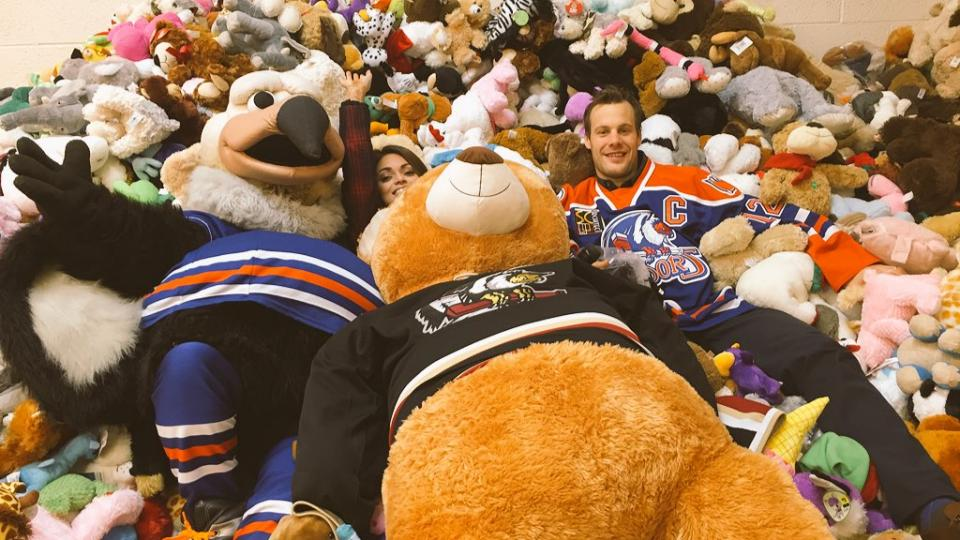 The Teddy Bear Posse gathers 5000 stuffed animals for charity