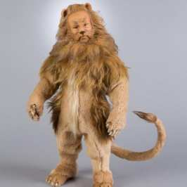 R. John Wright releases The Cowardly Lion stuffed animal figure