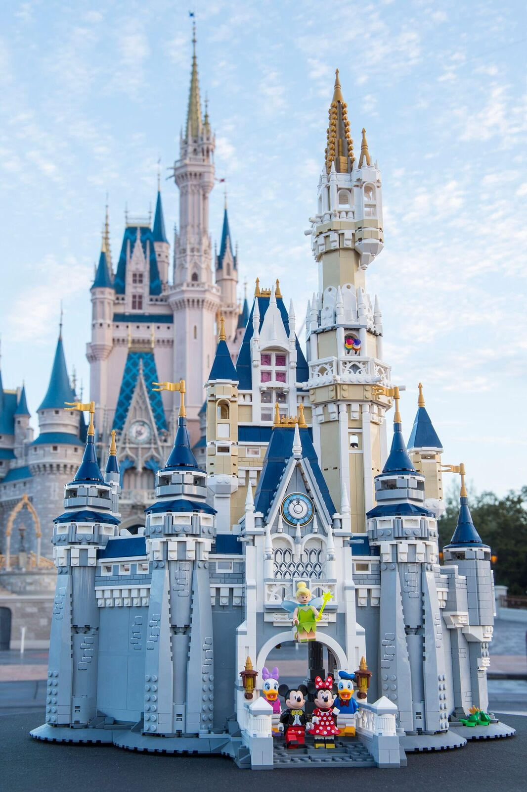 LEGO shows off new Disney Castle set with 4080 pieces ...