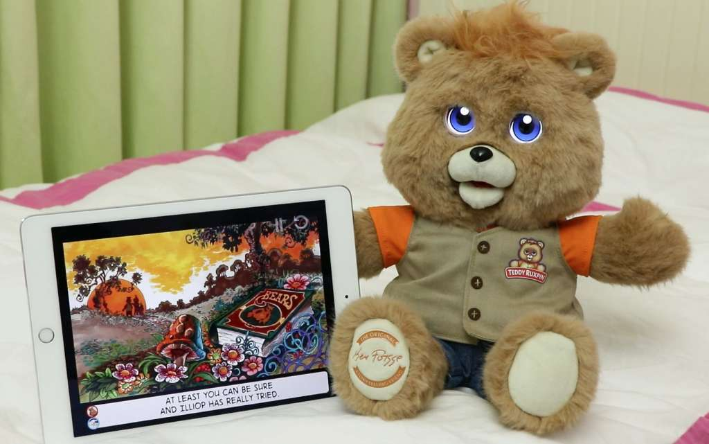 Teddy Ruxpin is coming back in 2017