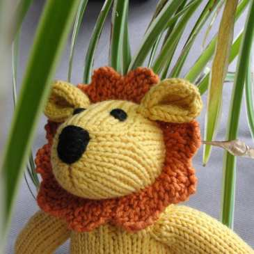 How to make a crochet stuffed lion