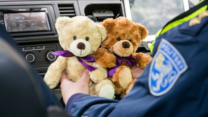 Police in Estonia will have teddy bears in their cars