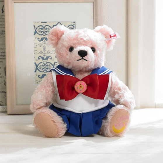 Steiff creates a special limited edition Sailor Moon teddy bear