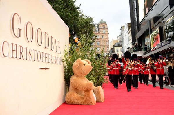 A giant teddy bear steals the show at Goodbye Christopher Robin movie premiere