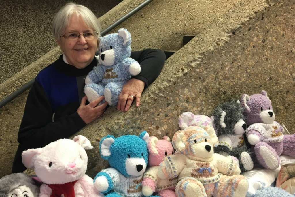 Edmonton woman knits dozens of teddy bears for children in need for Christmas