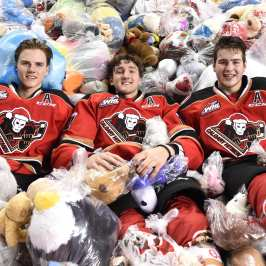 The Calgary Hitmen gathered 24 000 stuffed animals at their Teddy Bear Toss