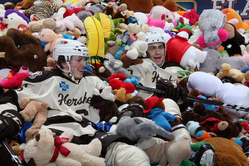 The Hershey Bears' Teddy Bear Toss set a record of over 25 000 stuffed animals