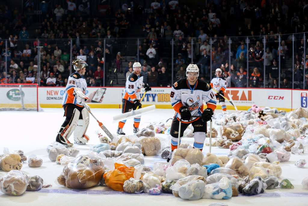 The San Diego Gulls collected more than 16 000 stuffed animals from their Teddy Bear Toss