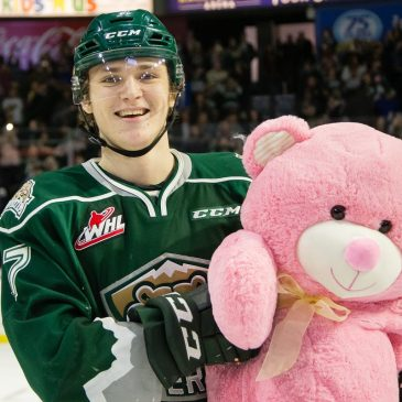 The Everett Silvertips donate 9719 stuffed animals to the local community