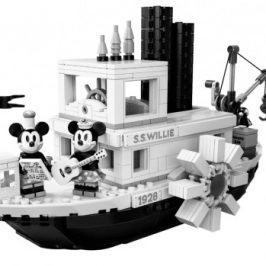 LEGO honors the 90th Anniversary of Mickey Mouse with a special set