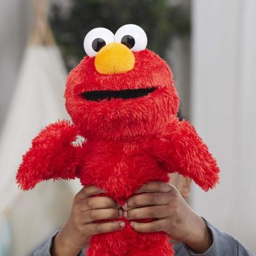 Sesame Street Love to Hug Elmo makes the Amazon list of top toys for the holidays
