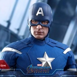 Hot Toys introduces very realistic Captain America and Superman action figures